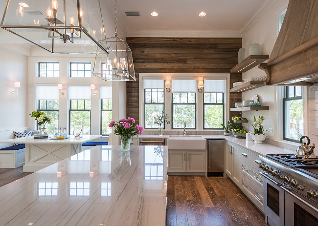 Friday favorites farmhouse kitchens house of hargrove for Gorgeous modern homes