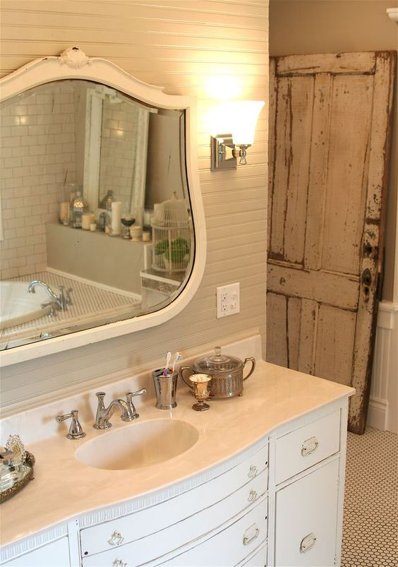 Farmhouse Bathrooms (5)