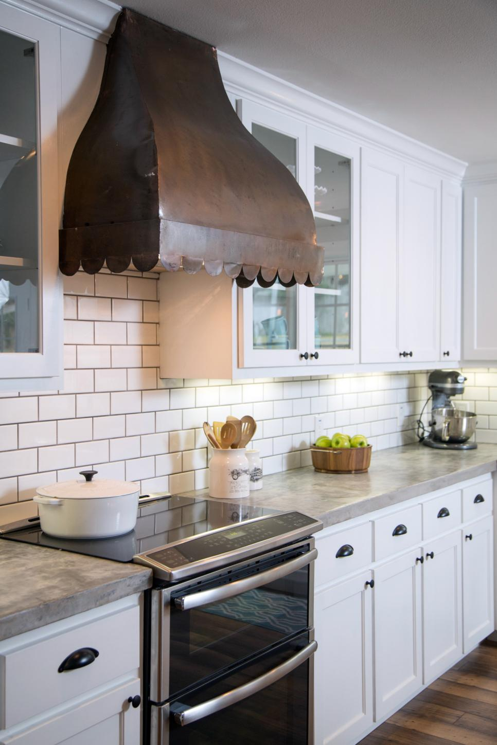 Get the look fixer upper kitchen house of hargrove for Kitchen ideas joanna gaines