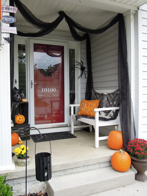 Creatively Southern, Halloween Front Porch Ideas via House of Hargrove