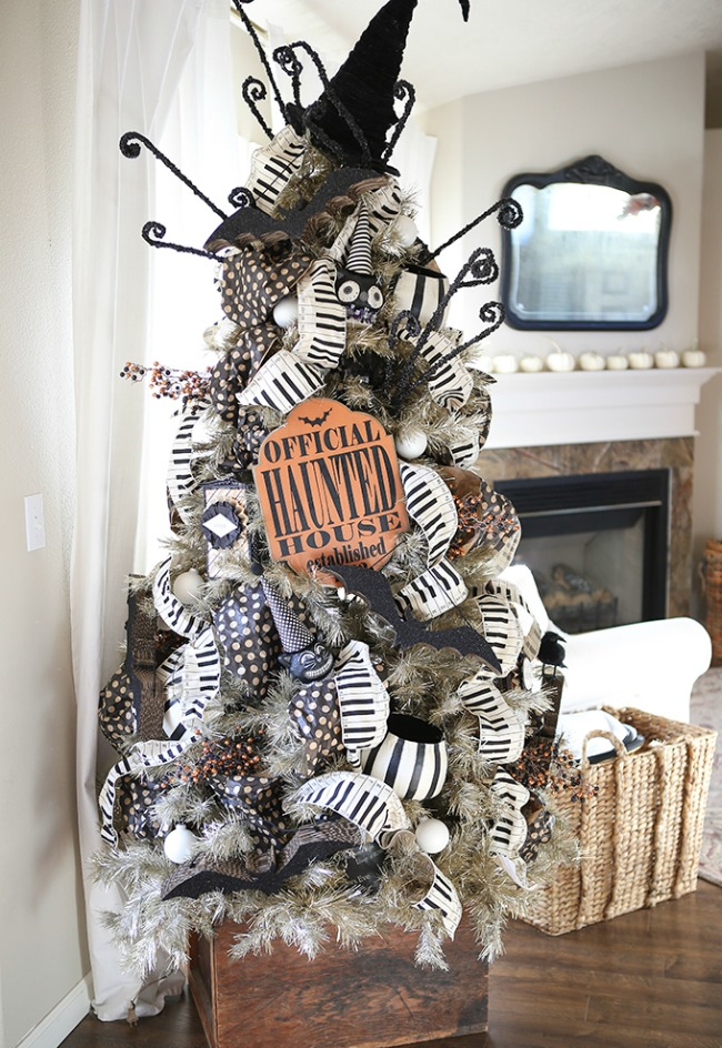 Ella Claire, Halloween Decor Ideas
