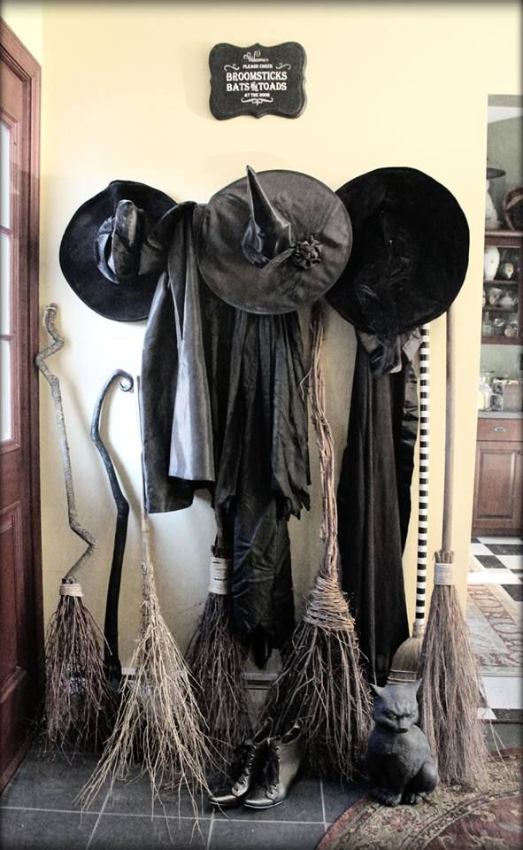 Scent of a Woman, Halloween Decor Ideas