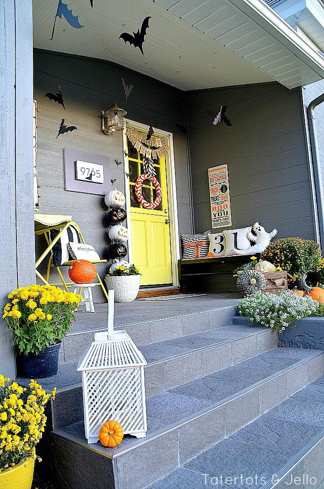 Tatertots and Jello, Halloween Front Porches via House of Hargrove