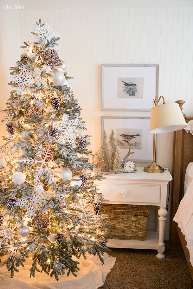 Ella Claire, Gorgeous Christmas Trees via House of Hargrove