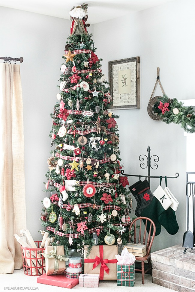 Live Laugh Rowe, Gorgeous Christmas Trees via House of Hargrove