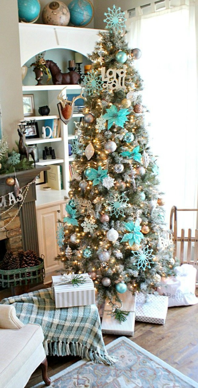 Refresh Restyle, Gorgeous Christmas Trees via House of Hargrove