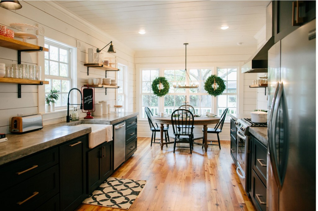 Get the look fixer upper b b farmhouse kitchen house of for Kitchen ideas joanna gaines