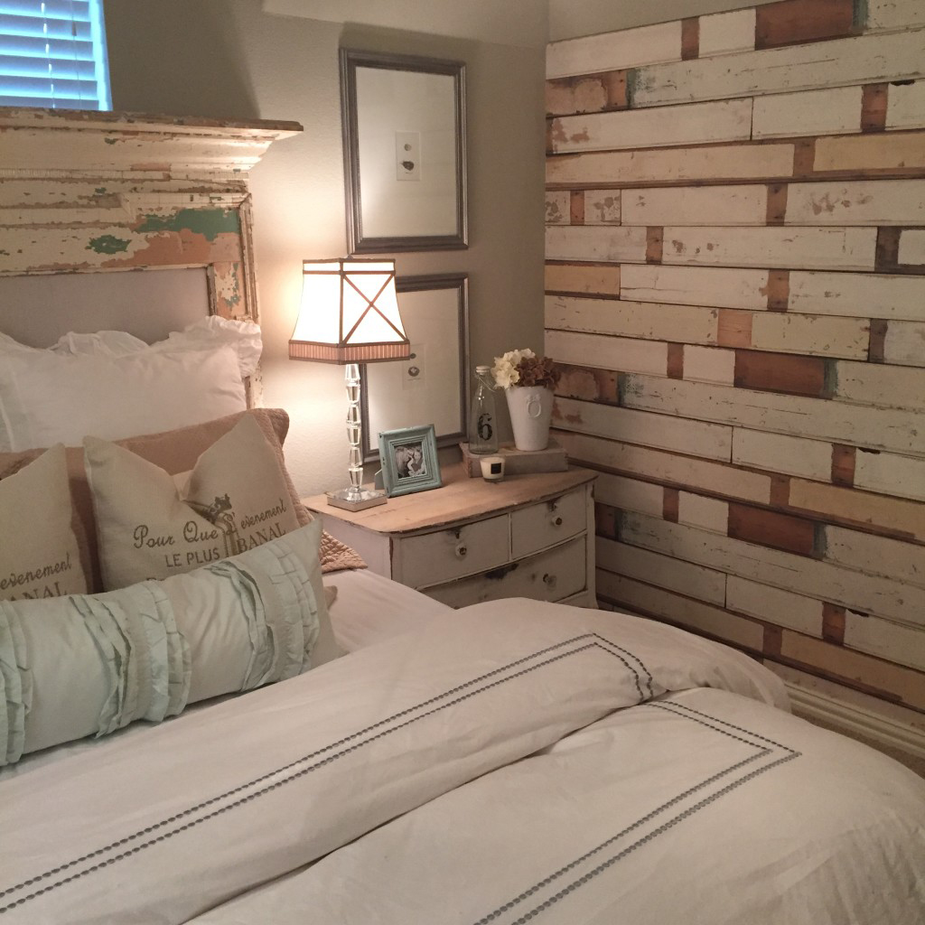 Farmhouse guest bedroom for Farmhouse bedroom decor