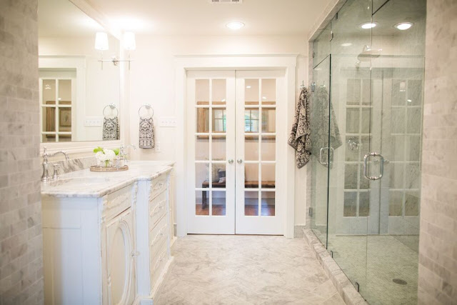 i couldnt find the before picture of this bathroom but seeing as it is my all time favorite bathroom joanna has done i had to share it - Fixer Upper Bathroom