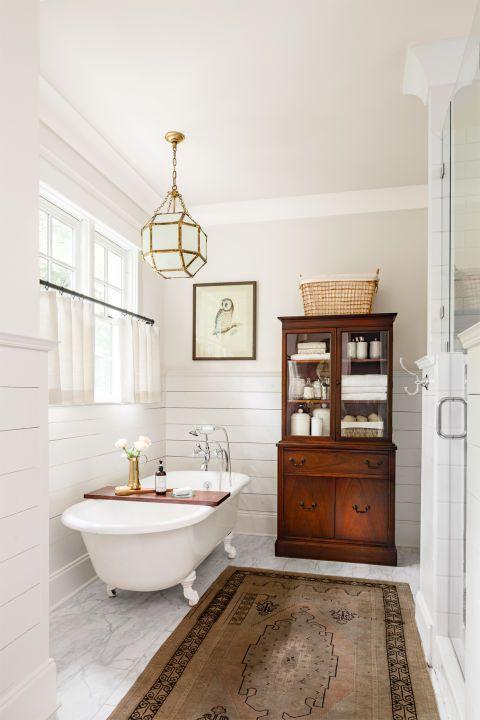 Farmhouse Bathrooms (12)