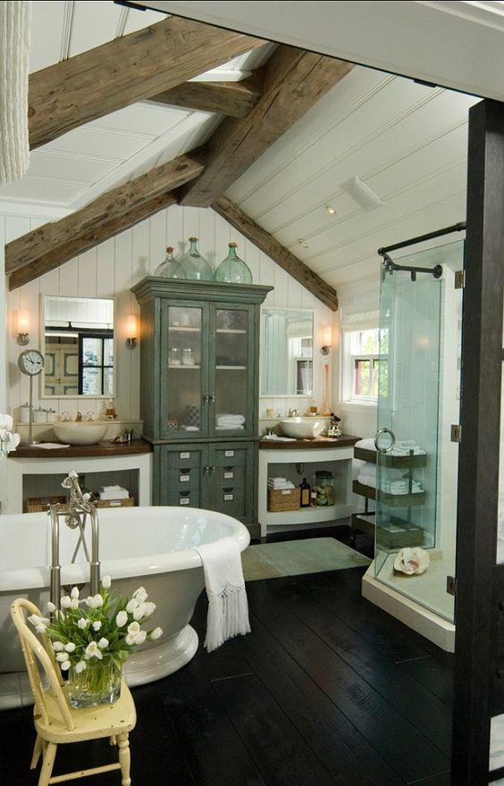 Farmhouse Bathrooms (14)