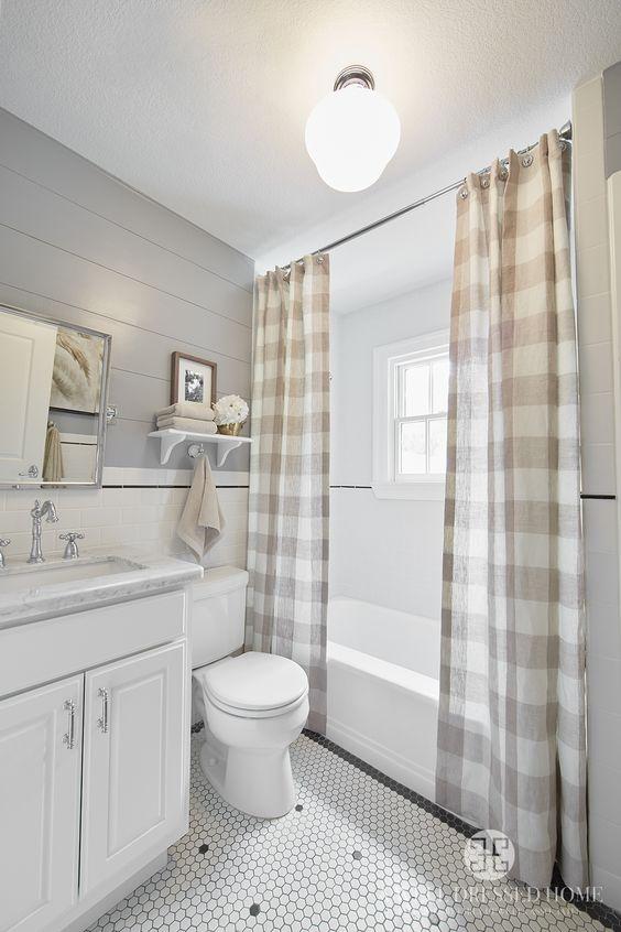 Farmhouse Bathrooms (6)