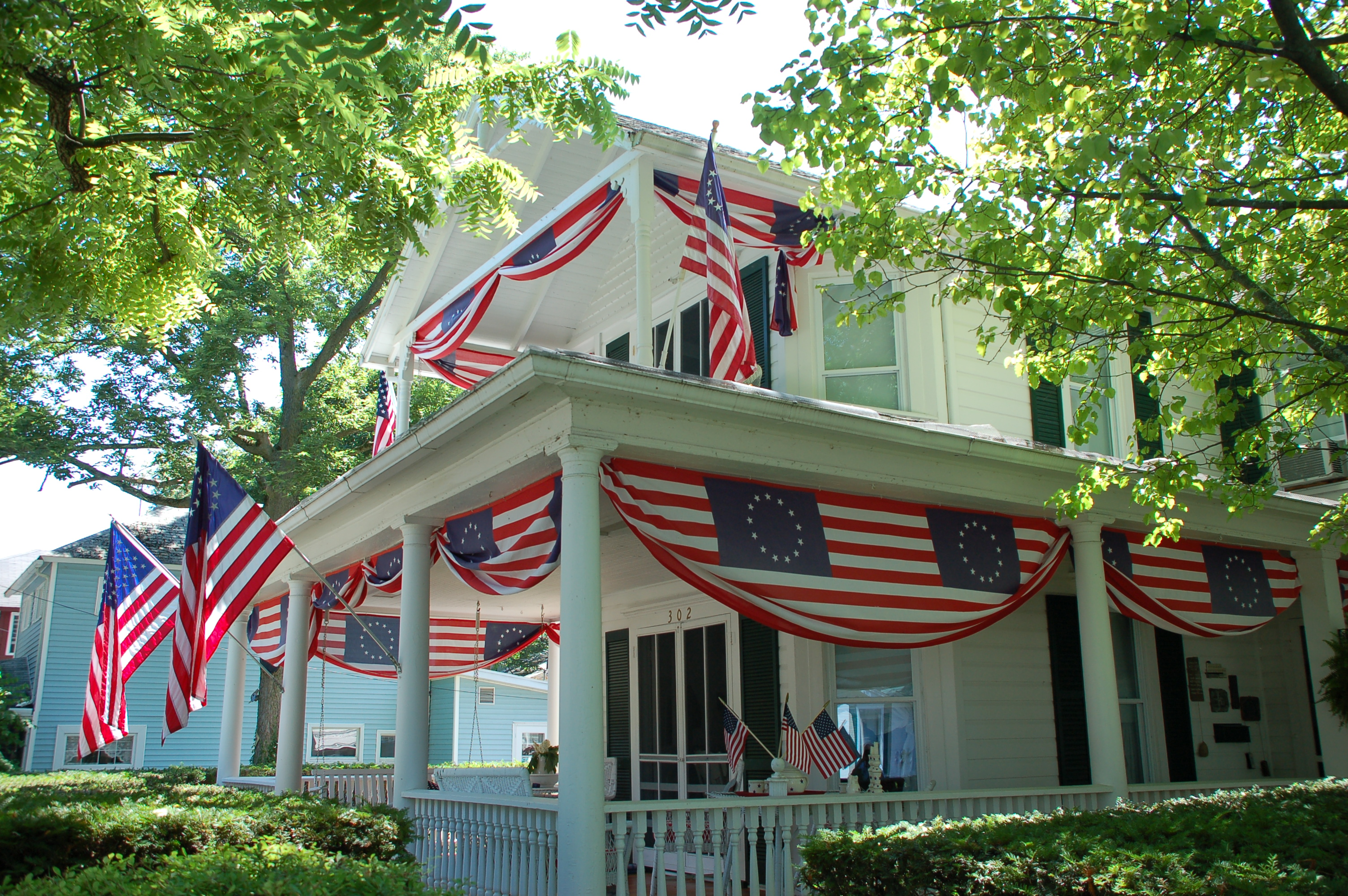 Patriotic decor house of hargrove for House decoration images