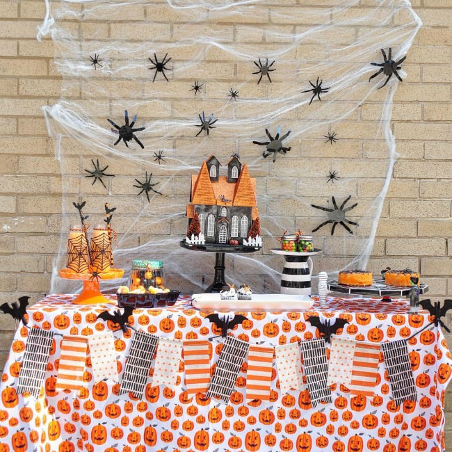 Creepy Crawly Halloween Party by Purple Octopus Parties, Halloween Tablescapes and Party Ideas