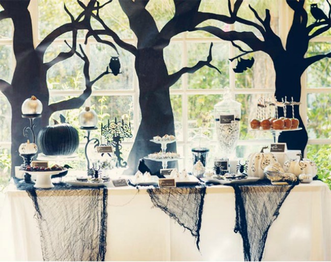 Elegant Spooky Forest Halloween Party by HWTM , Halloween Tablescapes and Party Ideas
