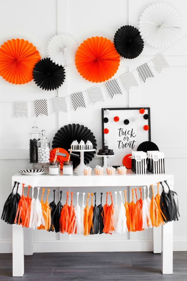 Halloween Party Set Up by The TomKat Studio, Halloween Tablescapes and Party Ideas