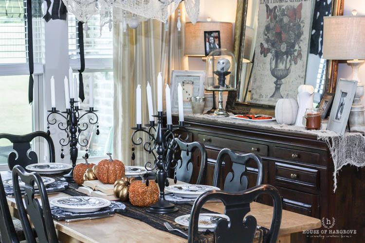 spooky-halloween-tablescape-6