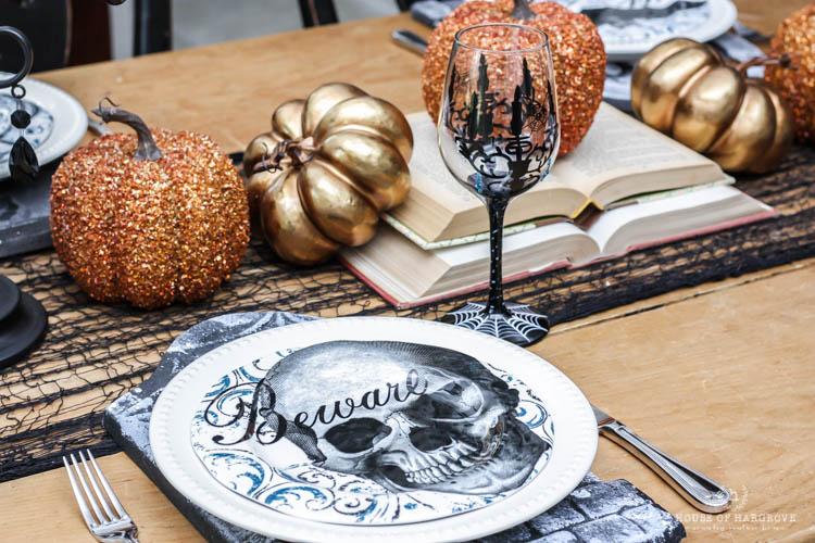 spooky-halloween-tablescape-8