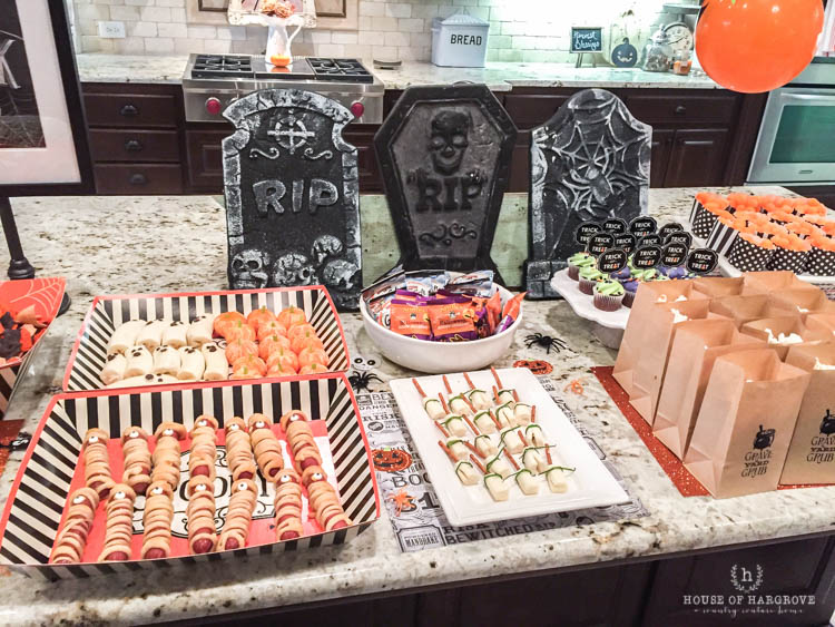 trick-or-treat-halloween-party-10
