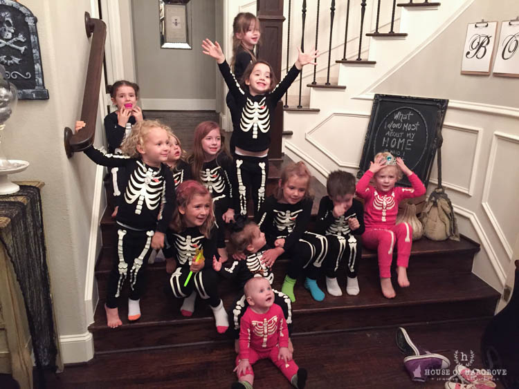 trick-or-treat-halloween-party-16