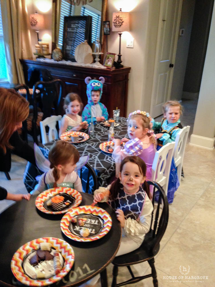 trick-or-treat-halloween-party-9