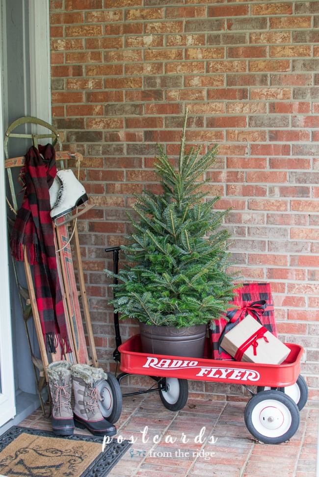 Postcards from the Ridge, Christmas Porches via House of Hargrove