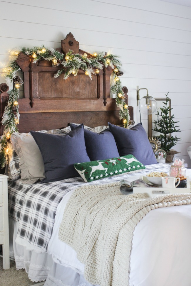 Christmas inspiration house of hargrove for Christmas bedroom inspiration zoella