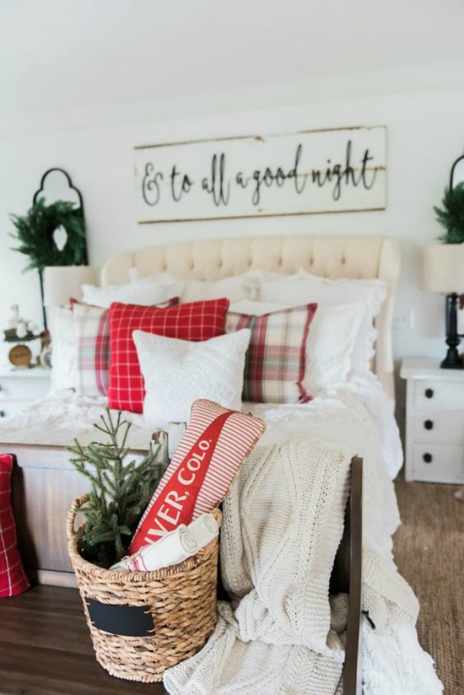 Christmas Bedroom, Christmas Inspiration via House of Hargrove