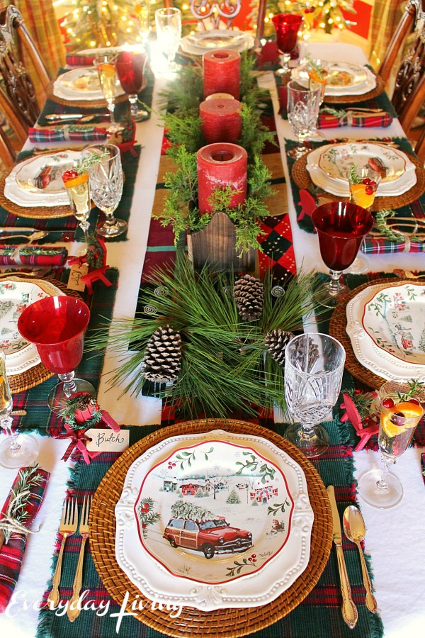 christmas tablescapes party ideas house of hargrove. Black Bedroom Furniture Sets. Home Design Ideas