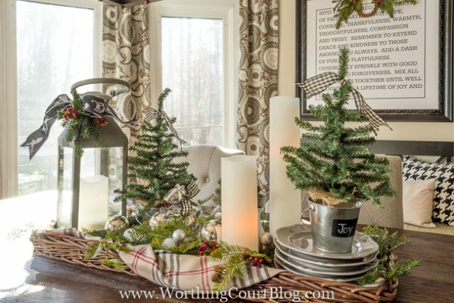 Farmhouse Christmas Kitchen, Christmas Inspiration via House of Hargrove