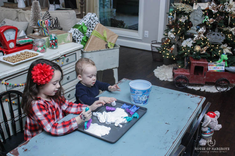 holiday-kids-table-toys-12