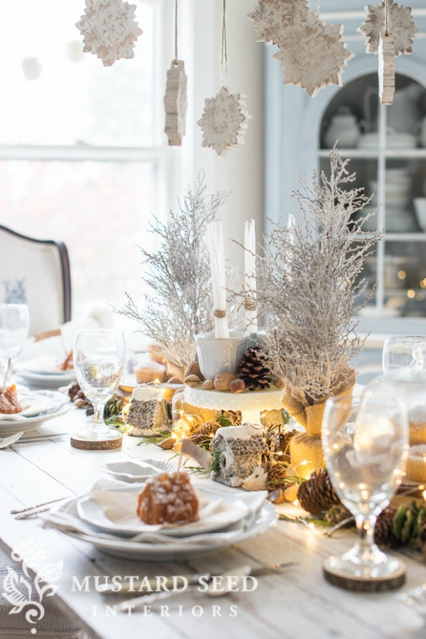 Miss Mustard Seed, Christmas Tablescapes / Party Ideas via House of Hargrove