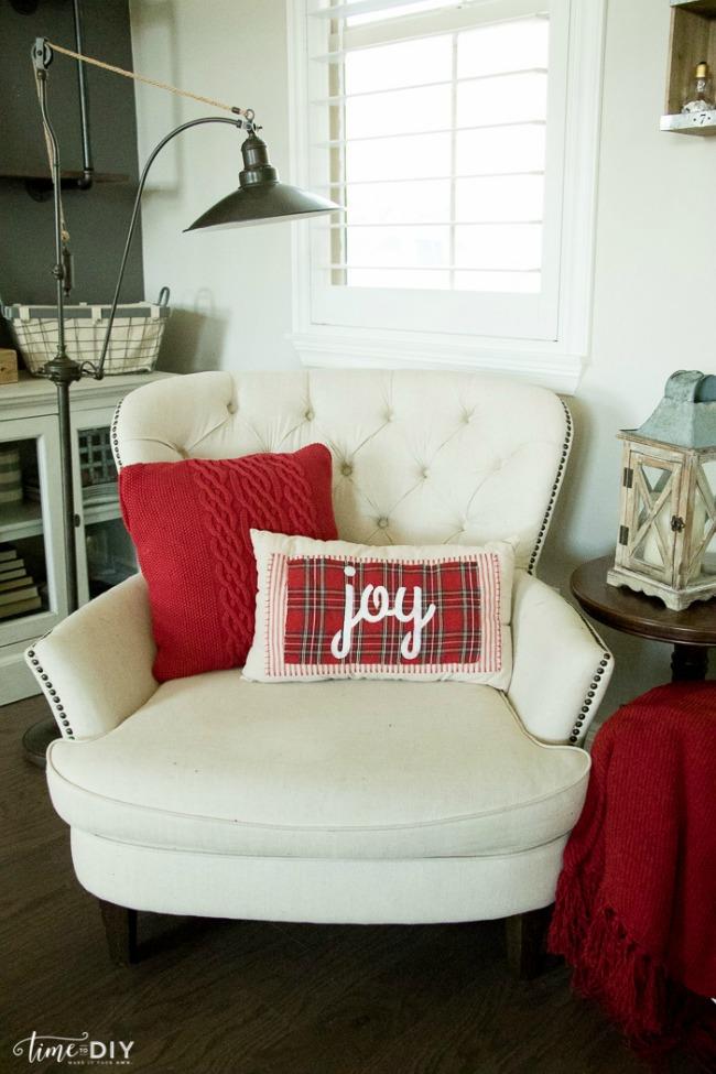 No Sew Christmas Pillows, Christmas Inspiration via House of Hargrove