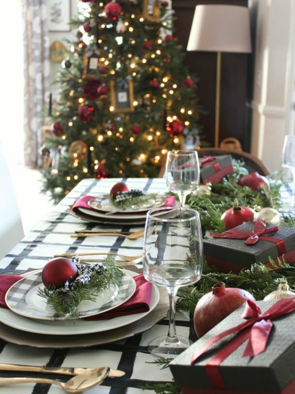 Oscar Bravo Home, Christmas Tablescapes / Party Ideas via House of Hargrove