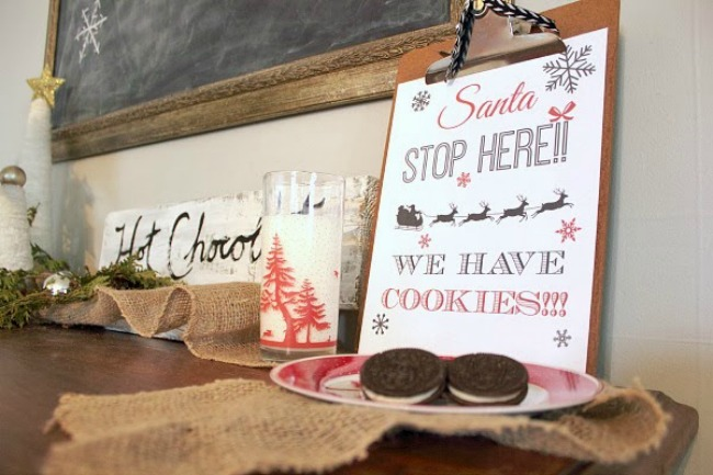 Santa, Stop here, Christmas Printables via House of Hargrove