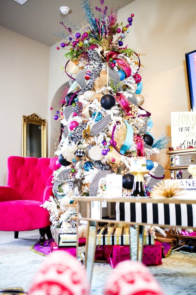 The Sweetest Thing, Gorgeous Christmas Trees via House of Hargrove