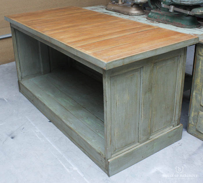 Antique kitchen islands for Antique kitchen island