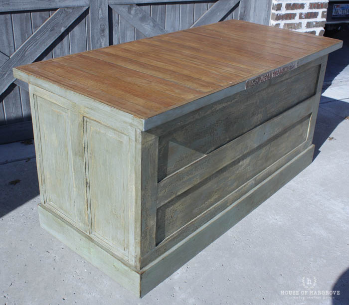 Vintage Farmhouse Kitchen Islands: Antique Bakery Counter