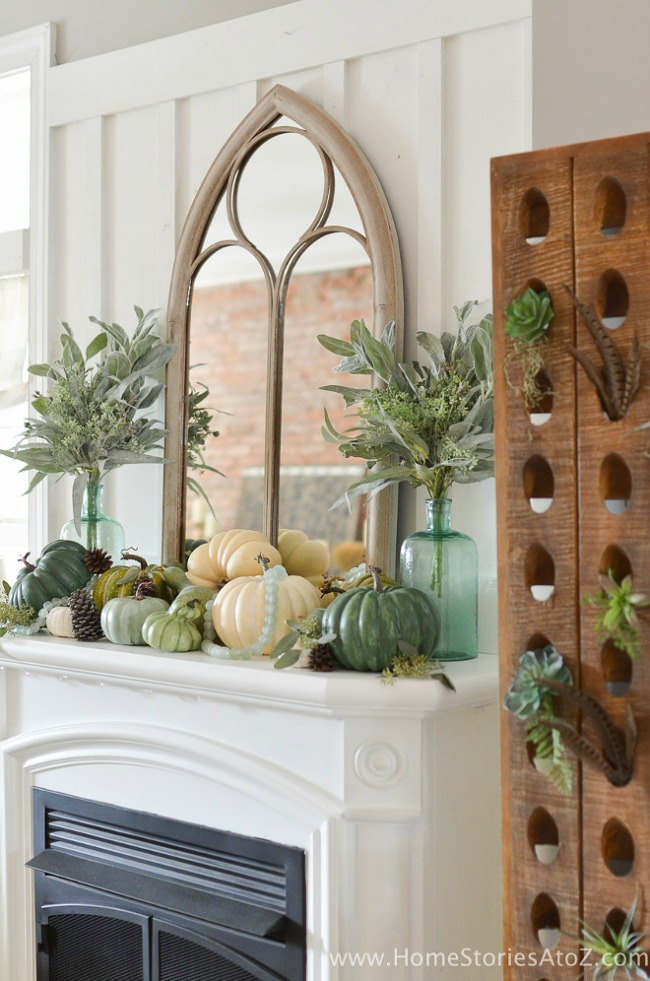 All of these Farmhouse Fall Mantels are beautiful!