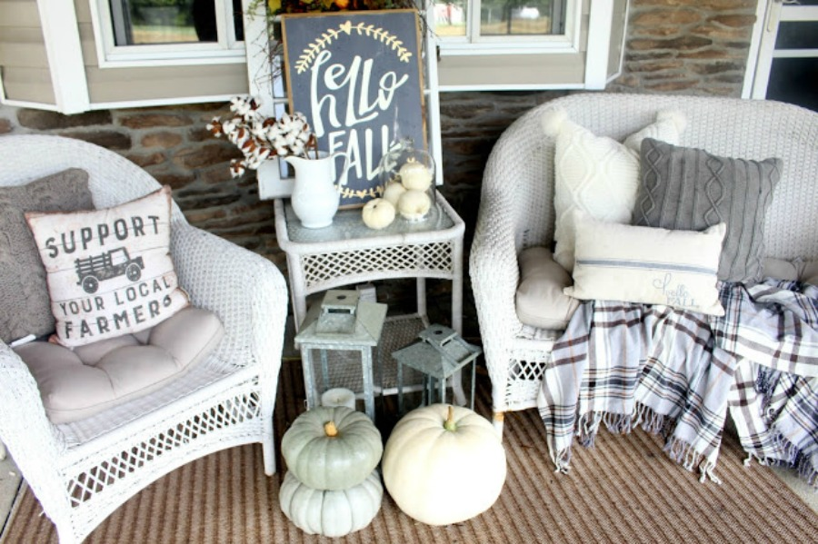 Fall in love with some of these Neutral Fall Decor Inspiration!