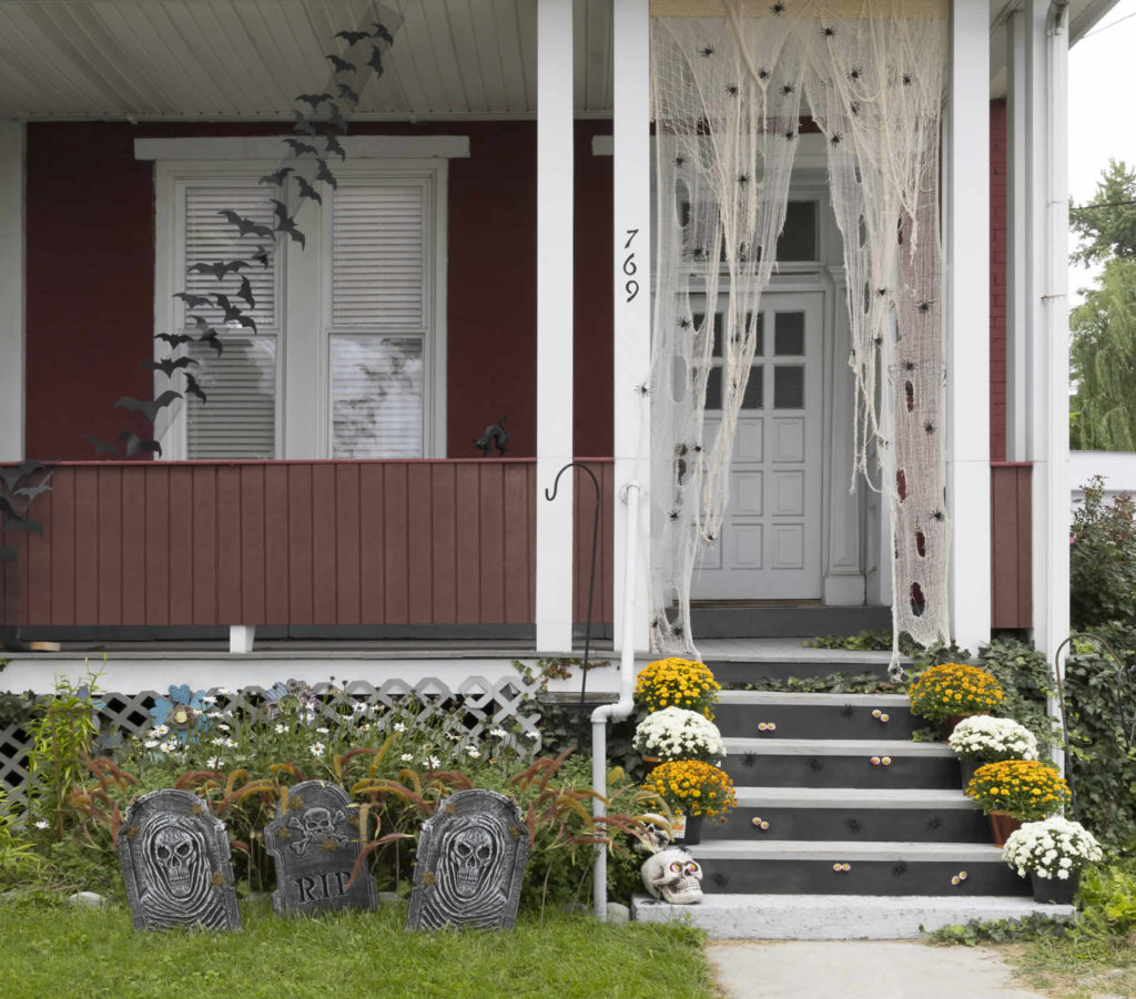 Roof Design Ideas: Halloween Front Porch Inspiration: Tons Of Amazing Ideas