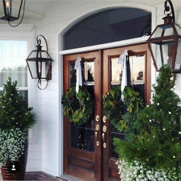 There is no shortage of major inspiration here for those amazing Christmas Front Porches!