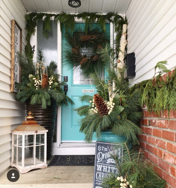 There is no shortage of major inspiration right here for those Christmas Front Porches!