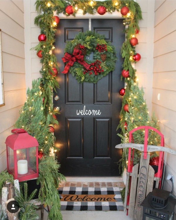 There is no shortage of major inspiration here for those Christmas Front Porches!