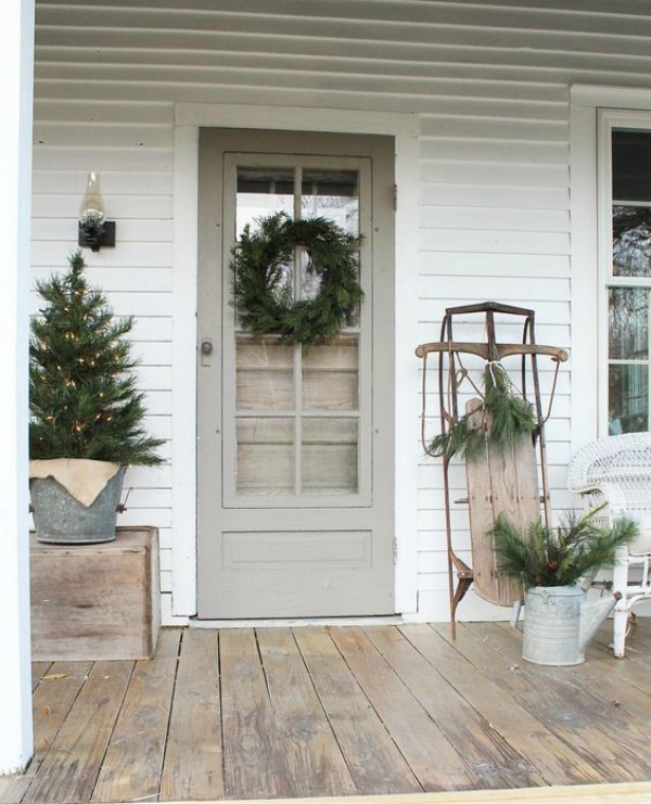 Check out these ideas for fabulous Farmhouse Christmas Decor!