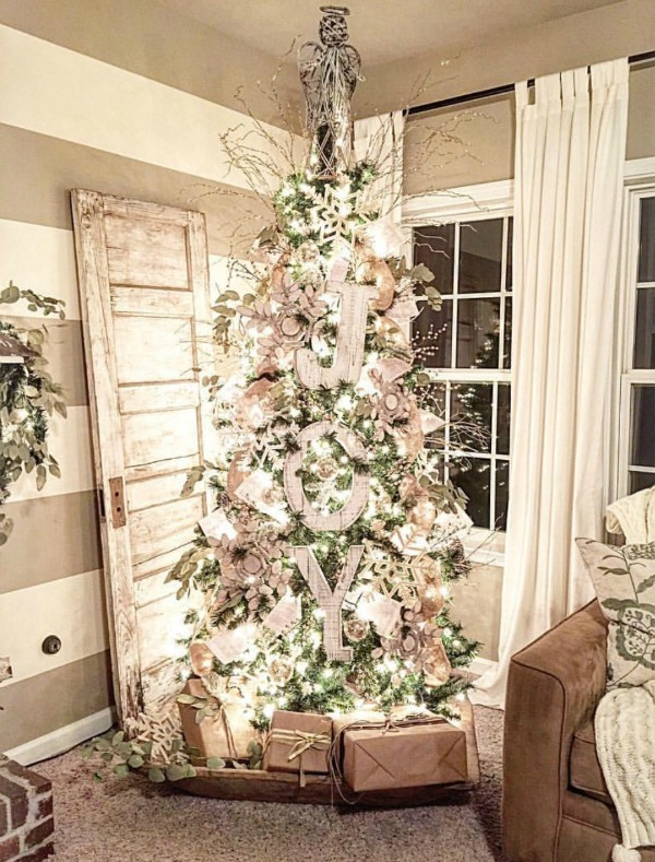 Check out our blog for some ideas of Fabulous Farmhouse Christmas Decor!